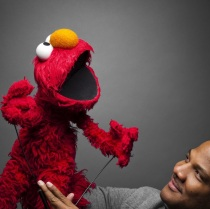 Being Elmo: A Puppeteer's Journey to the United Kingdom